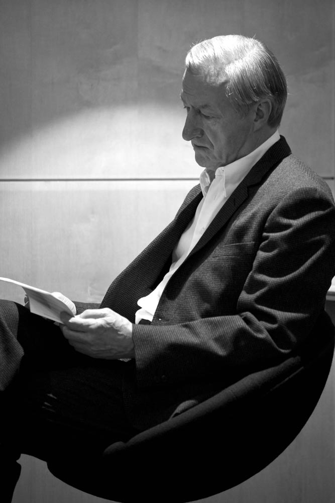 julian-barnes-portrait